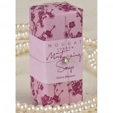 Mydło o aromacie kwiatu wiśni
